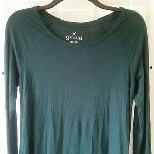 American Eagle emerald green long sleeve